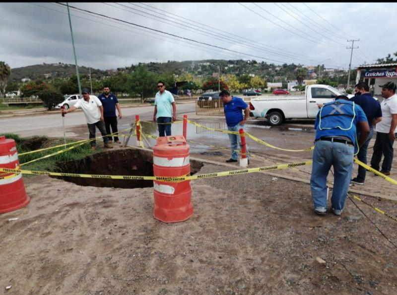 Dejan lluvias socavón en Bugambilias