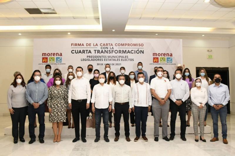 Firman compromiso con la cuarta transformación alcaldes y legisladores electos