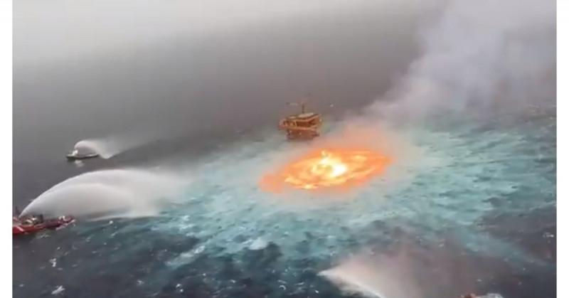 Se rompe línea submarina de Pemex y provoca incendio en plataforma petrolera de Campeche (video)