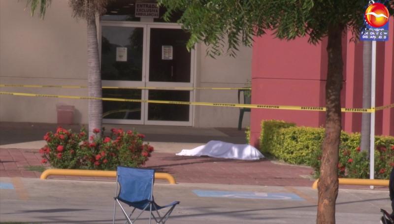 Muere un hombre afuera del Hospital General de Mazatlán