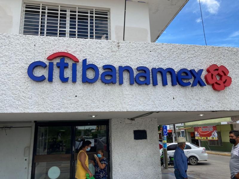 Por COVID cerraron Banamex Escuinapa