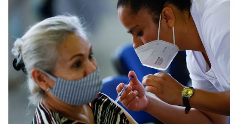 Advierte la OMS sobre no vacunarse mezclando distintas fórmulas anti covid-19