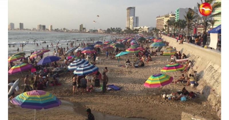 25 estudiantes se infectan de Covid-19 tras visitar Mazatlán, alertó el gobernador de Coahuila