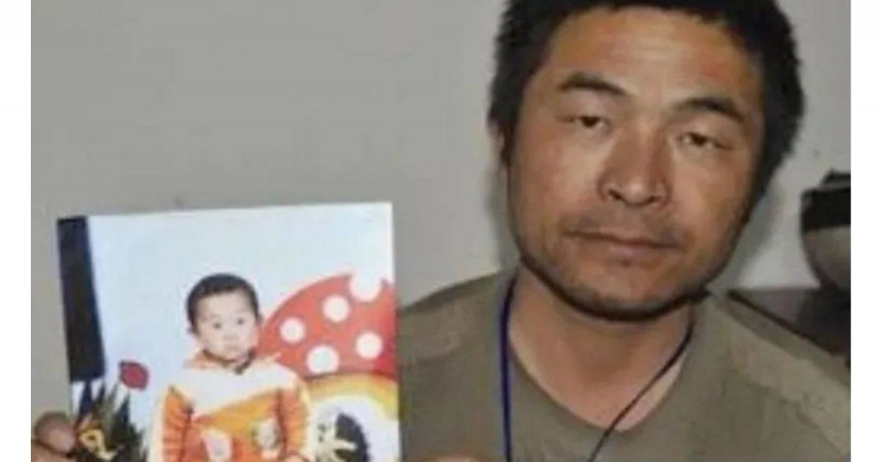 Encuentra a su hijo después de haber sido secuestrado hace 25 años y recorrer 500 mil km en motocicleta