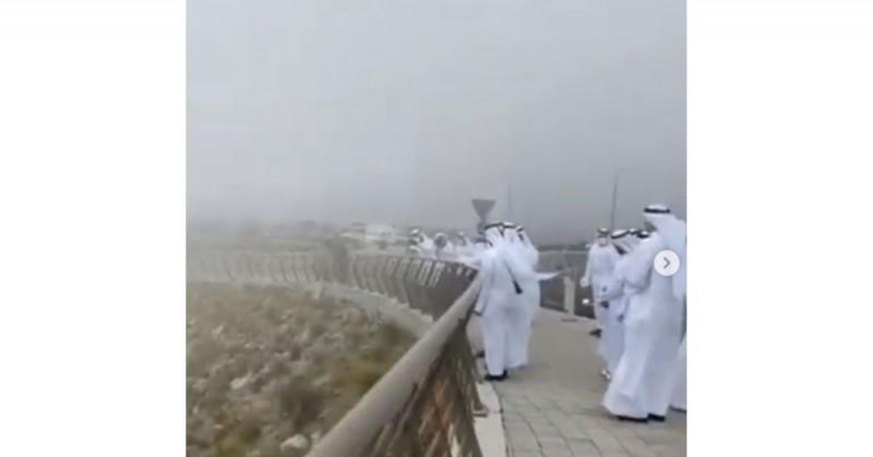Emiratos Árabes tiene éxito al provocar lluvia artificial en su territorio desértico