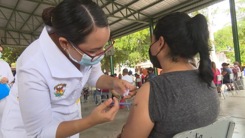 Sábado 24 Julio aplican vacuna covid en Los Mochis