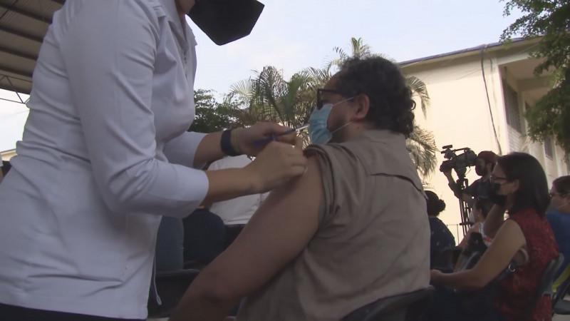 Piden explicación de la eficiencia de la vacuna CanSino : SNTE 53