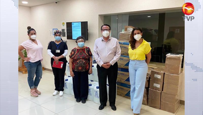 Patronato del Hospital General de Mazatlán les entrega apoyos