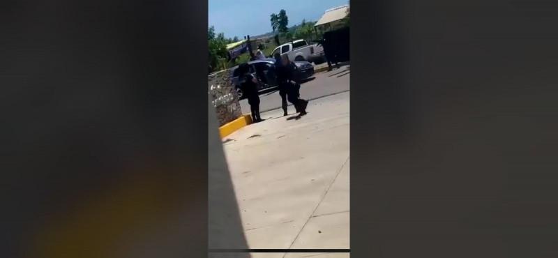 Civiles supuestamente agreden a Policías Estatales en la Cruz de Elota y se desata balacera