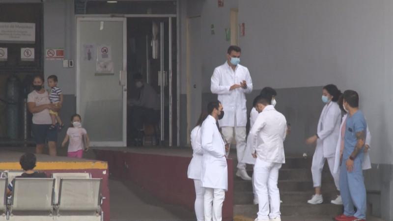 97% de hospitalizados por Covid, no están vacunados