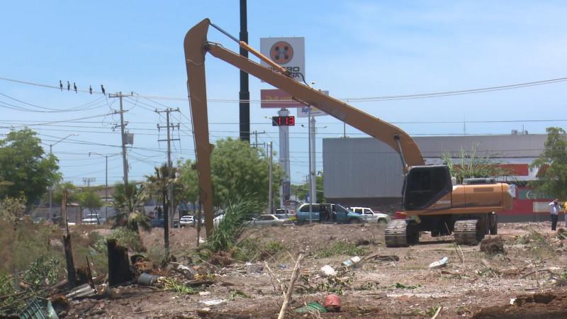 Ciudanía sigue arrojando basura a los drenes en Ahome