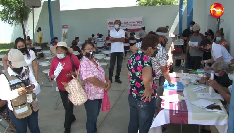 Mazatlecos de más de 65 años se registran para pensión del Bienestar