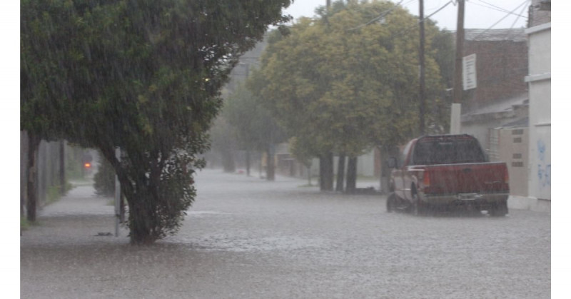 Se forma tormenta tropical Jimena en el océano Pacífico al suroeste de Baja California
