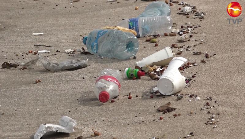 En Mazatlán se prohibirá el ingreso de plásticos a las playas