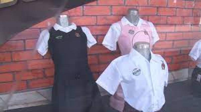 17 de agosto inicia el canje de vales de uniformes y útiles escolares gratuitos