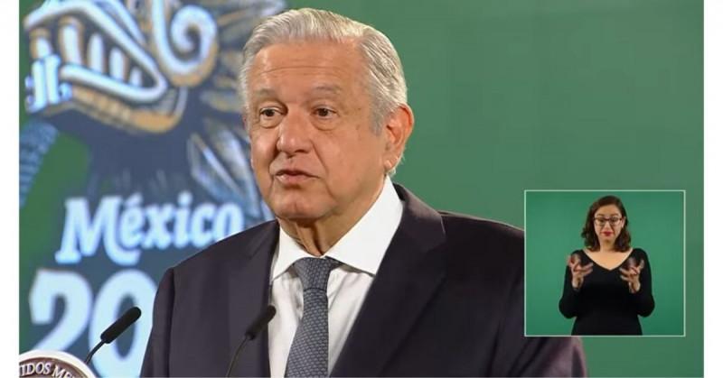 """López Obrador critica a la """"prensa conservadora"""" que se opone al regreso a clases presenciales"""