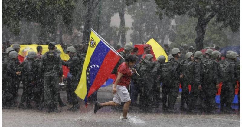 Gobierno de Venezuela y su oposición firman en México acuerdos previos antes de su negociación política