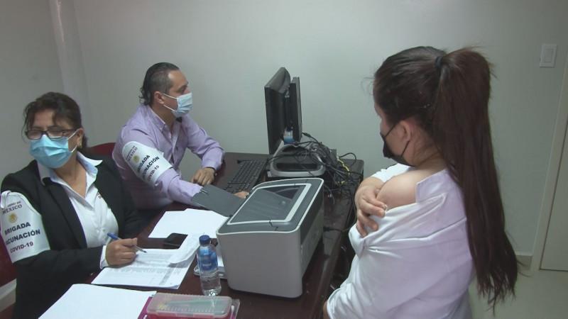 Sinaloa está en tercer lugar nacional de vacunación contra Covid