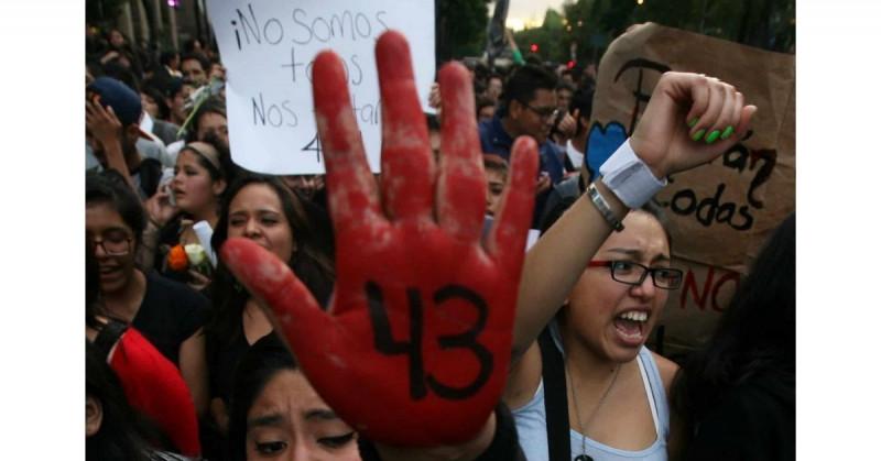 Han asesinado a 8 personas vinculadas a la desaparición de los 43 estudiantes de Ayotzinapa