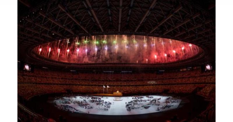 Tokio se ilumina en la inauguración de los Juegos Paralímpicos