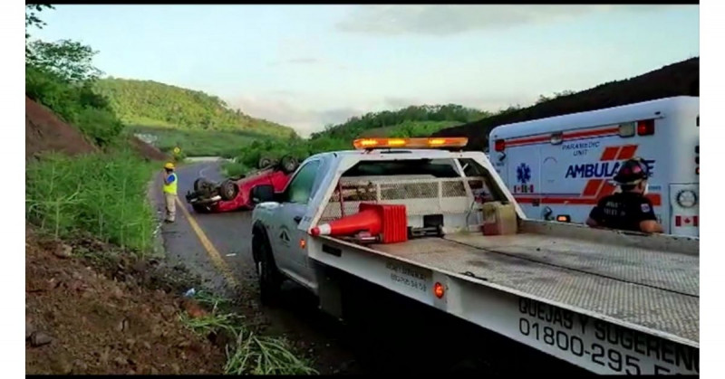 Fallece mujer en accidente por el Libramiento Mazatlán-Villa Unión