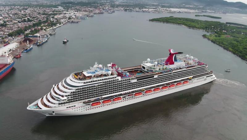Llega crucero Carnival Panorama a Mazatlán, el primero después de 17 meses