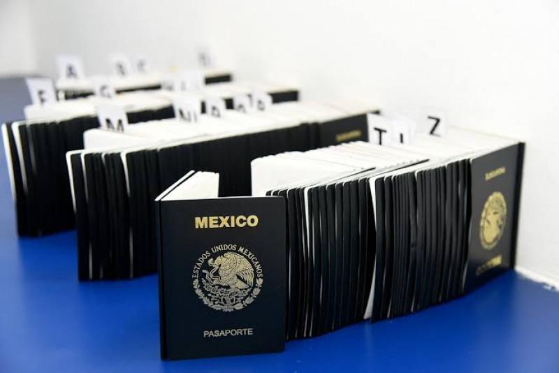 Advierten a ciudadanos evitar caer en fraudes en el tramite de pasaportes