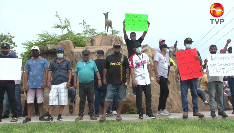 Se manifiestan centros de rehabilitación del sur de Sinaloa; piden ser vacunados