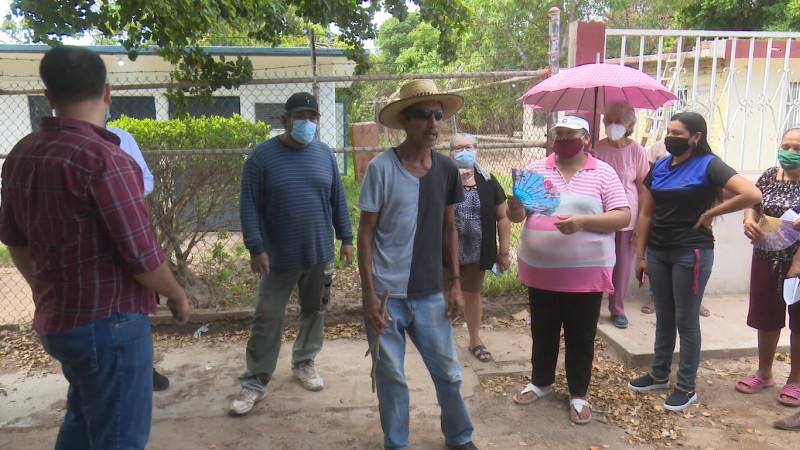 Truenan vecinos de Bachomobampo 2 contra la Japama por mal servicio
