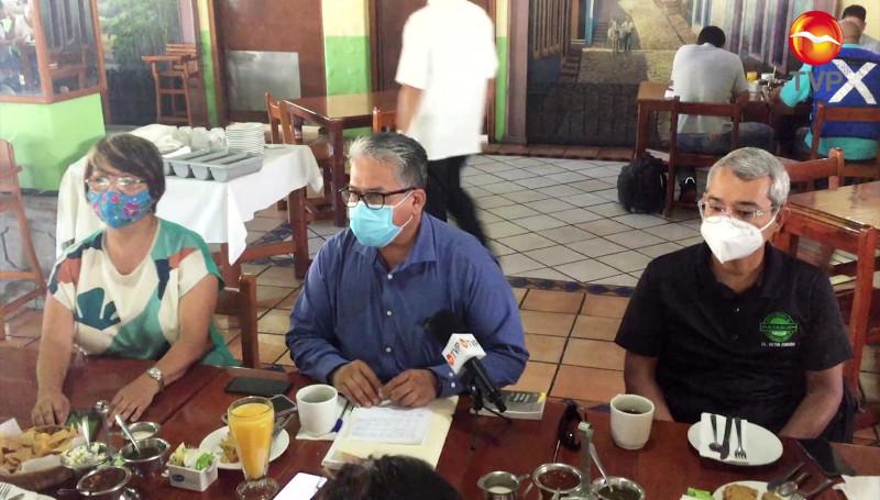 Dictaminan 320 amparos de ciudadanos inconformes por certificado de vacunación
