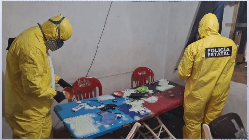 Detienen a 25 personas en narcolaboratorio