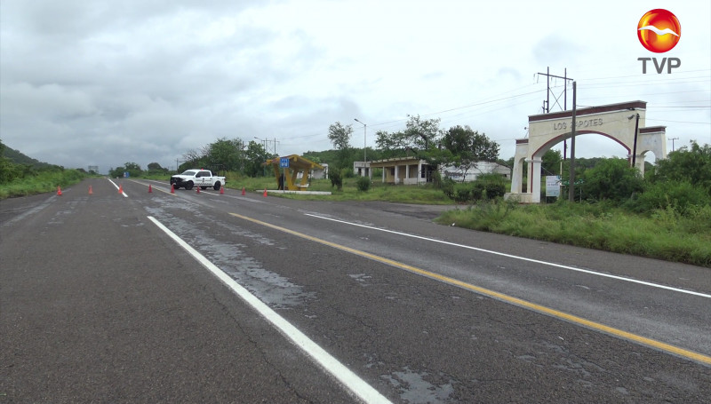 Cerradas carreteras Mazatlán-Culiacán