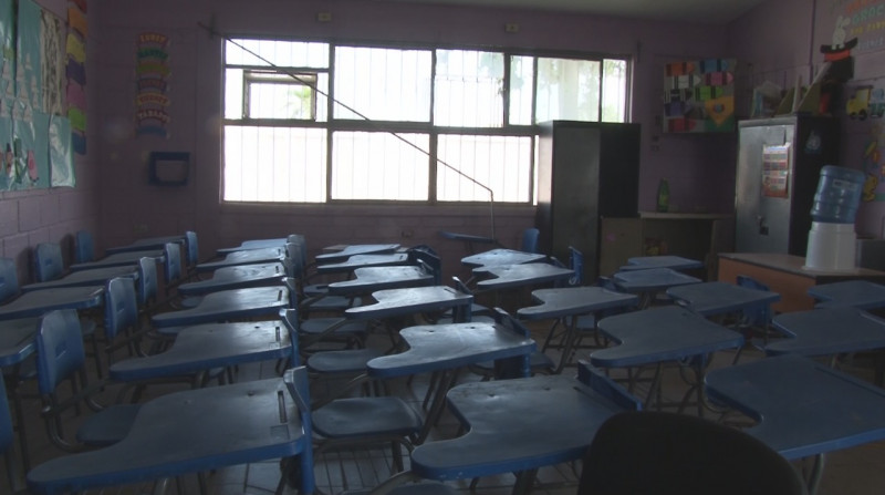 A punto de iniciar clases, hurtan escuela