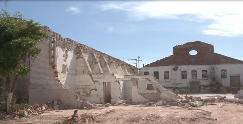 Cae antiguo edificio, vestigio del Cajeme de ayer