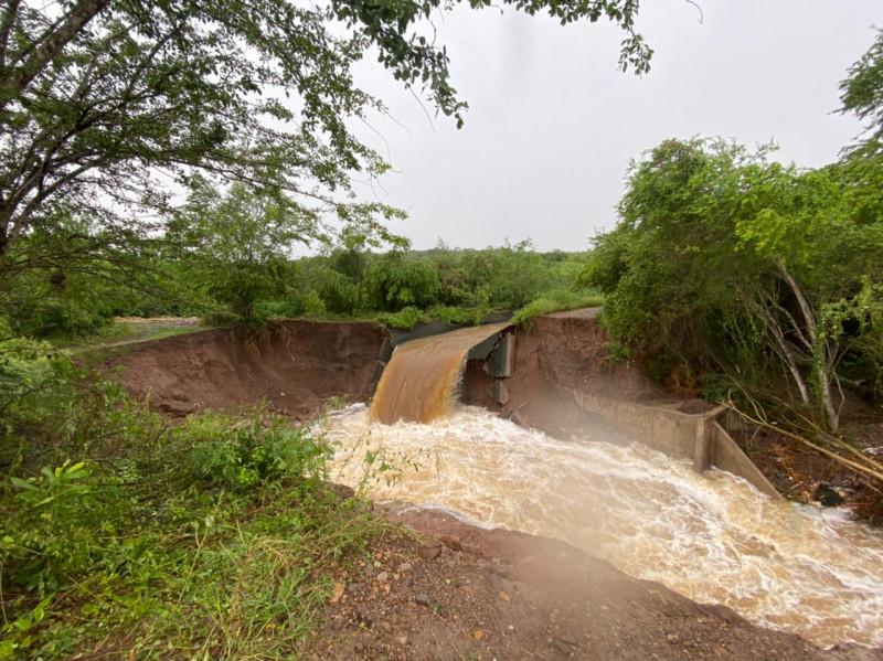 Lluvias rompen canal que alimenta a Los Horcones en Mazatlán