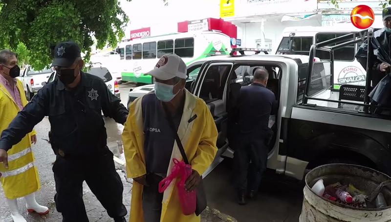 """196 personas acudieron a los albergues por """"Nora"""" en Mazatlán"""