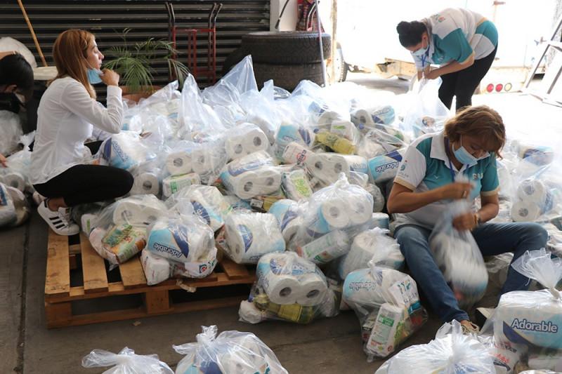 Llevan despensas a comunidades de Mazatlán afectadas por Nora