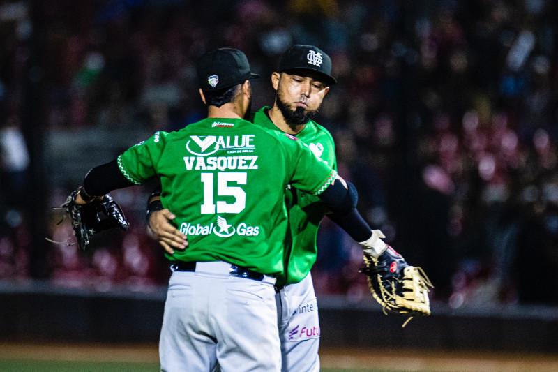 Toros de Tijuana venció 7-3 a Mariachis de Guadalajara para colocarse a un triunfo del campeonato