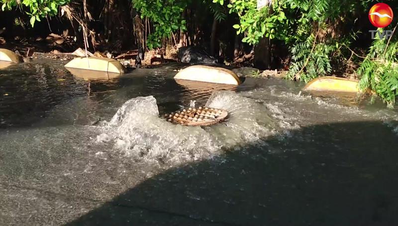 Proliferan fugas de drenaje en la ciudad