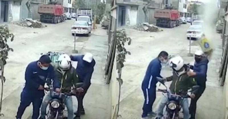 Albañil frustra robo lanzando saco de cemento desde el techo (video)