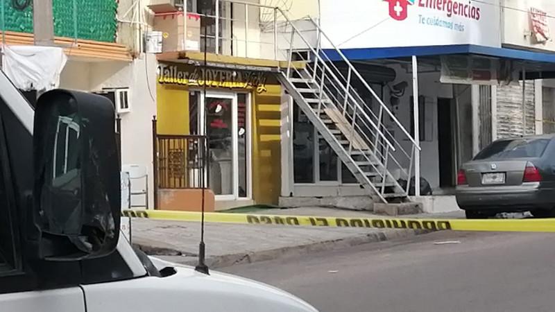 Asesinan a joyero en el interior del establecimiento
