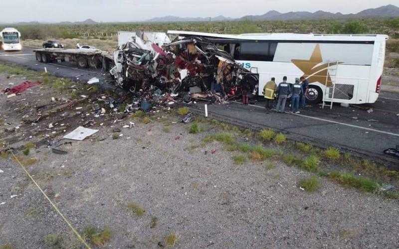 13 personas fallecidas y 25 lesionadas tras accidente carretero en Sonoyta