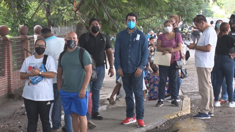 Inicia la vacunación a rezagados en Culiacán