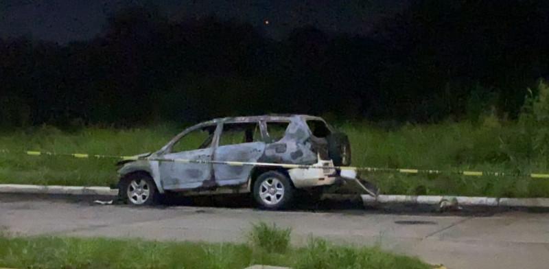 Camioneta incinerada pudiera ser la que utilizaron asaltantes en Culiacán