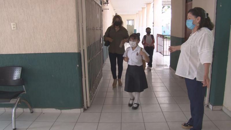 Juez ordena  a la SEP dotar de insumos a las escuelas para prevenir contagios