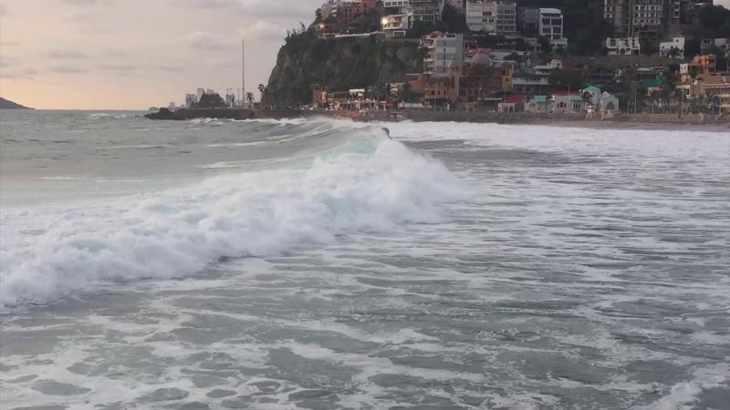 """Restringen acceso a playas de Mazatlán por """"Olaf"""""""