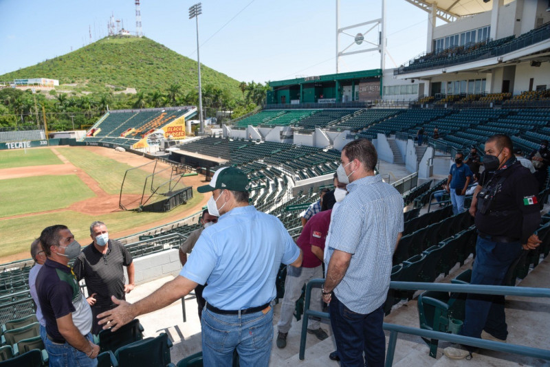 Autoridades supervisan el estadio Emilio Ibarra Almada