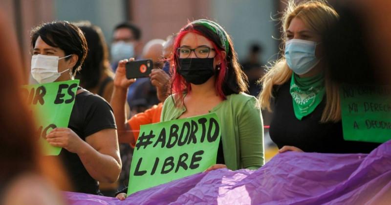 Buscan liberar a 200 mujeres en México presas por delitos relacionados al aborto