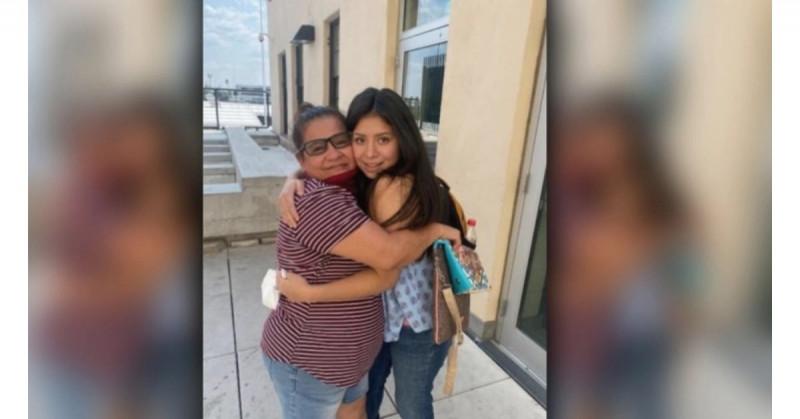 Madre se reencuentra con su hija 14 años después de que la secuestró el padre