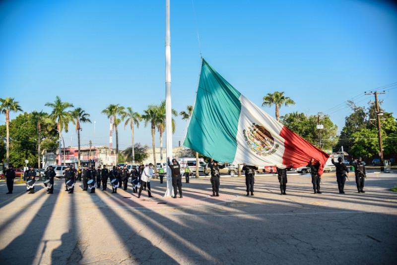 Autoridades conmemoran el 211 Aniversario del Grito de Independencia